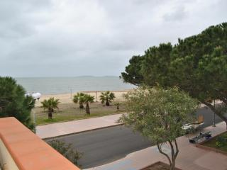 Holiday house in front of the sea (30 mt), Oristano