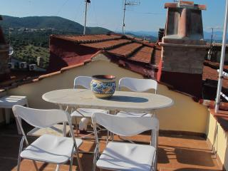 A balcony facing Maremma, Caldana