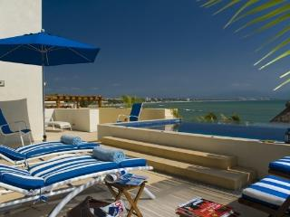 Luxury Oceanfront with Private Infinity Pool!!!, Bucerias