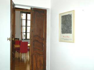 1000sq ft in the heart of NImes, Nimes