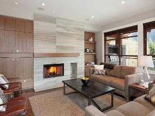 Fitzsimmons Walk 1 | Luxury 5 Star Contemporary Townhome, Private Hot Tub, Whistler
