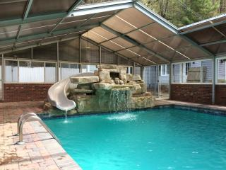 Magnificent 5BR Family Home w/ indoor/outdoor POOL, Waynesville