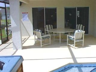 5 Minutes to the Magic - 3/2 Private Pool and Tub, Kissimmee