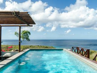 Modern villa with spectacular views over the Carib, Soto