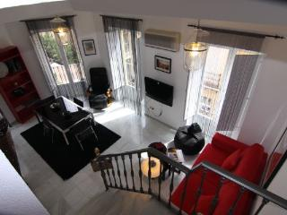 Amazing Duplex apartment next to Cathedral - C2, Seville