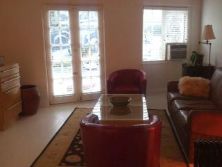 Historic Herald Square, Studio for 2, Private Bath, Sarasota