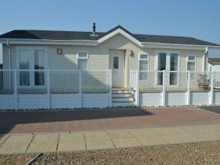 Bracklesham Bay beach lodge, Chichester