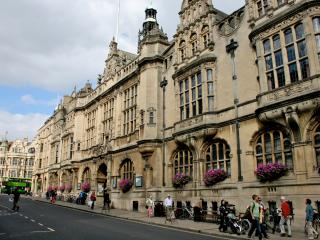 Oxford Town Hall apartment