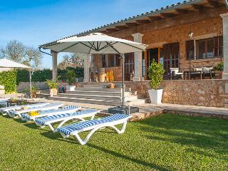 Beautiful country house with pool and big terrace, Sineu
