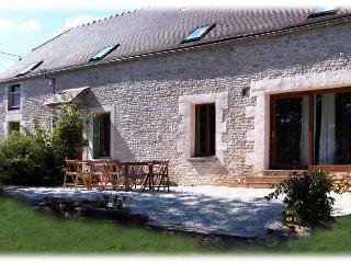 Very charming Burgundy Farmhouse in Countryside, Tonnerre