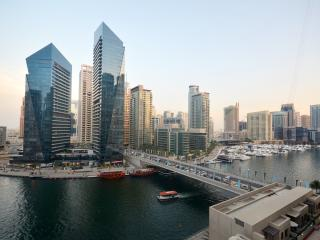 Stunning Full Dubai Marina View Apartment, Dubái