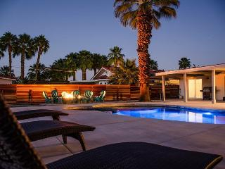 Luxury Pool and Jacuzzi Home, Palm Desert