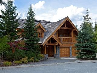 Horstman 4950 | Wood-Burning Fireplace, Mountain Views, Private Hot Tub, Whistler