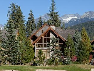 Longstone Chalet   Spacious 5 Bed, Wood-Burning Fireplace, Private Hot Tub, Whistler