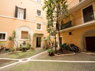 House for family in center of Rome, Roma
