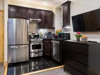 *WILLOW*  Amazing 2 Bedroom in Washington Heights!, New York City