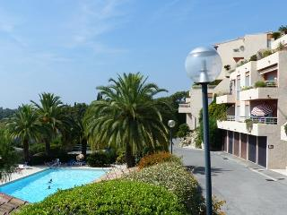 Sea & Mountain View Apartment inResidence wid pool, Vence