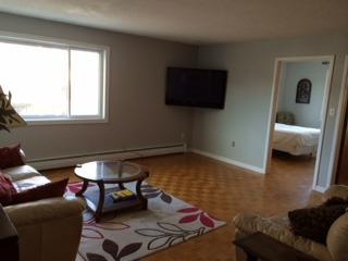 Spacious 2 Bedroom apartment Downtown Kingston