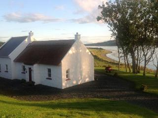 Mulroy Cottage.. On The Banks Of Mulroy Bay., Kerrykeel
