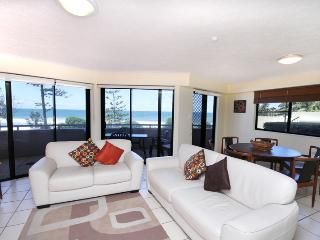Unit 1, The Rocks, Coolum Beach, Linen Included, $500 BOND