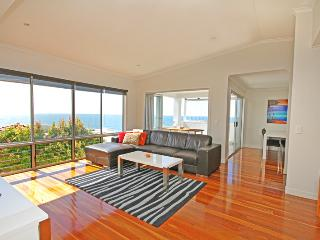 Apartment 2, 31 Lang St, $500 BOND, Coolum Beach