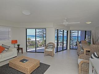 Unit 6, The Rocks, Coolum Beach, Linen Included, $500 BOND