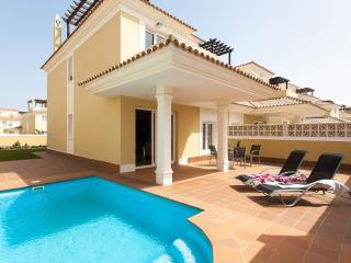 Golden Park. Luxury villa with private pool, Corralejo