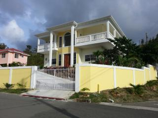 Beautiful Penthouse 3 Bed Rooms STLUCIA888VILLA, Gros Islet