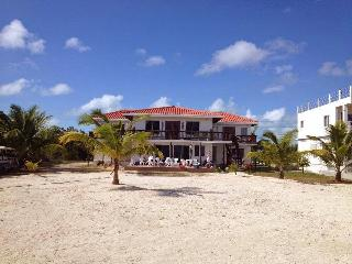 Blue Bonefish Lodge, a luxury oceanfront Villa, San Pedro