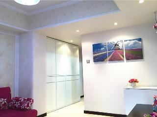 Cozy Grand apt fit 8pax,1mins mtr, Hongkong