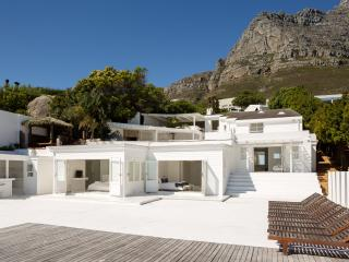 Two Views Beach House, Camps Bay