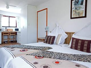 Penny Lane Lodge - Self Catering Studios, Somerset West