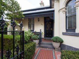 94 Highett Inner Melbourne Period Home for upto 14