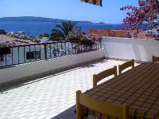 Apartment Mareas 6 for 5 with terrace and sea view, Okrug Donji