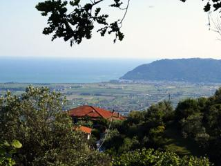 Sweet living - hills between Tuscany and Liguria, Castelnuovo Magra