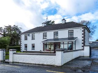 EGANS', country house, open fire, off road parking, garden, near Whitegate, Ref 921626