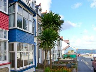 BEACHGETAWAY, pet-friendly, luxury holiday cottage, with a hot tub in Rhosneigr, Ref 921798