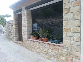 Town house to rent in picturesque village of Cerve, Cervera del Maestre