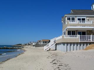 1BR Cape Cod Breakers Beachfront Resort Dennisport, Dennis Port