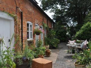 LADYB Cottage in Tewkesbury, Beckford