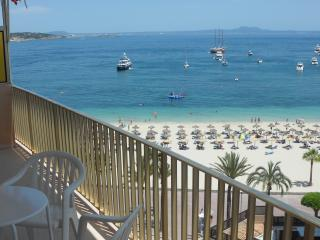 ★Lovely Large 3b/r Apt by the sea★, Palmanova