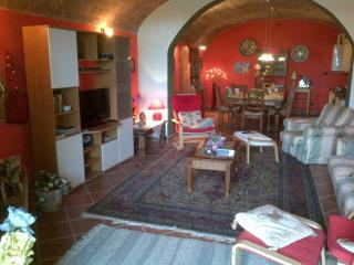 Beautiful two bedroom apartment in Tuscany, Montespertoli