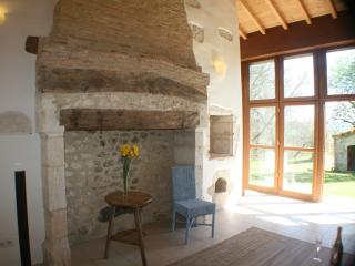 Holiday Cottage with large pool near Beauville, Lot-et-Garonne