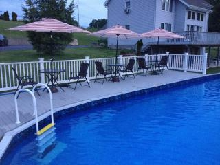 Borders HITS, May 11-18 Deal, Mountain Views, Pool, Saugerties
