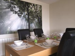 5 Star Stunning Apartment - Dublin close to center, Dublín