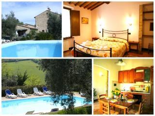 Country-chic Apt with shared pool in Radicondoli