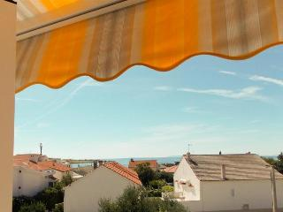 Room Jenny 3 for 2pax with sea view and terrace, Novalja