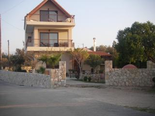 Holiday villa apartment with sea view in Chania, Agii Apostoli