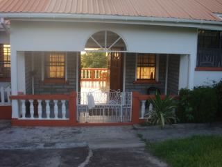 Want to stay together ? Rent the entire villa !, St. George's