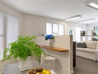 Freemans Bay Sunny Studio within walking distance to Auckland CBD, Auckland Central